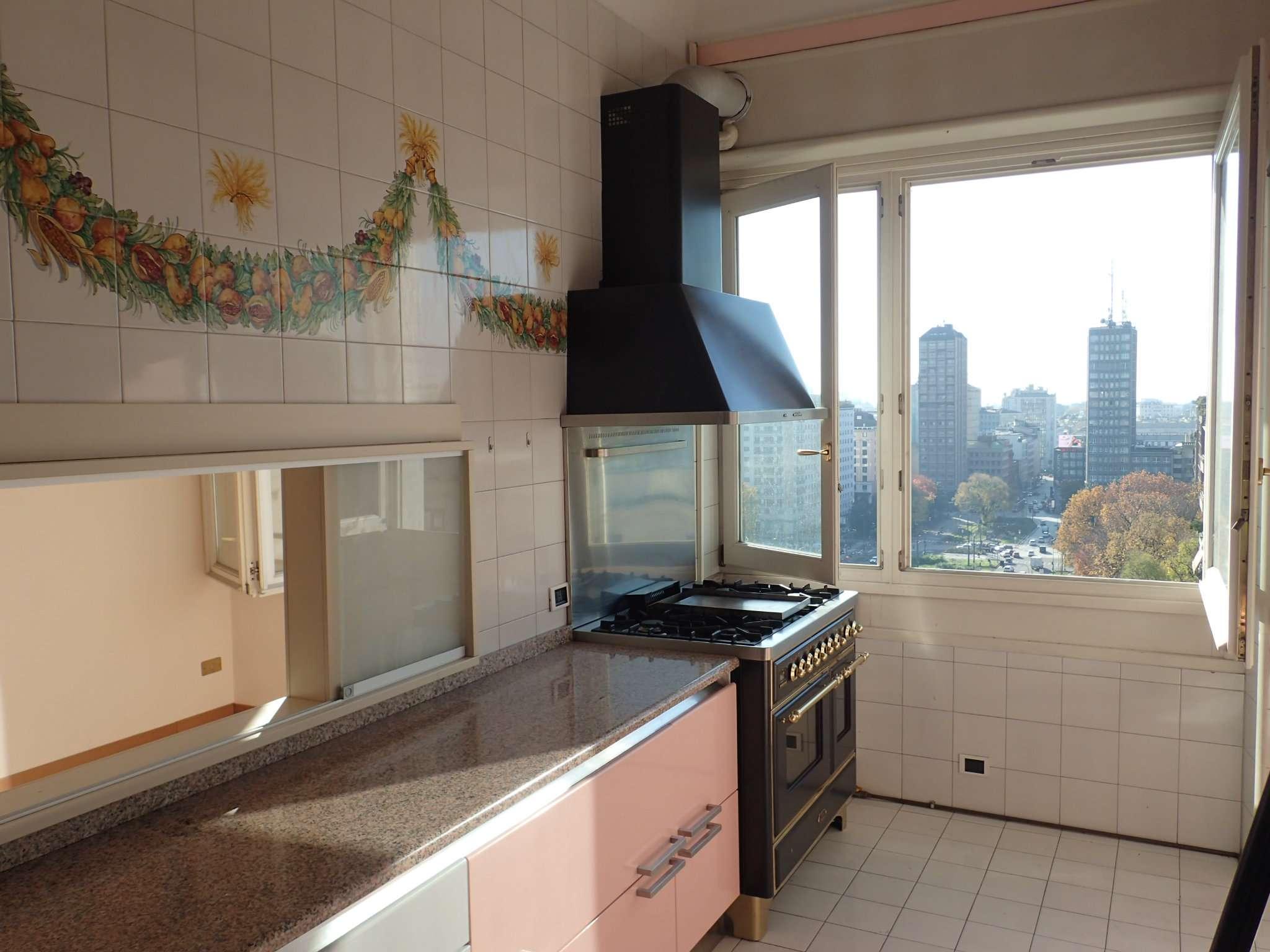 Appartamento in Vendita a Milano: 5 locali, 340 mq - Foto 5