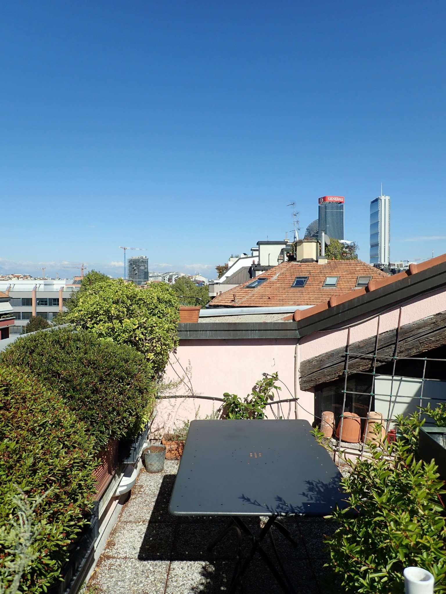 Appartamento in Vendita a Milano: 4 locali, 160 mq - Foto 2