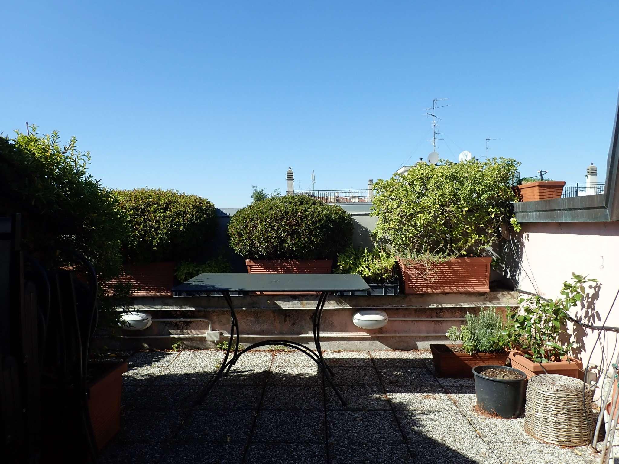 Appartamento in Vendita a Milano 17 Marghera / Wagner / Fiera: 4 locali, 160 mq