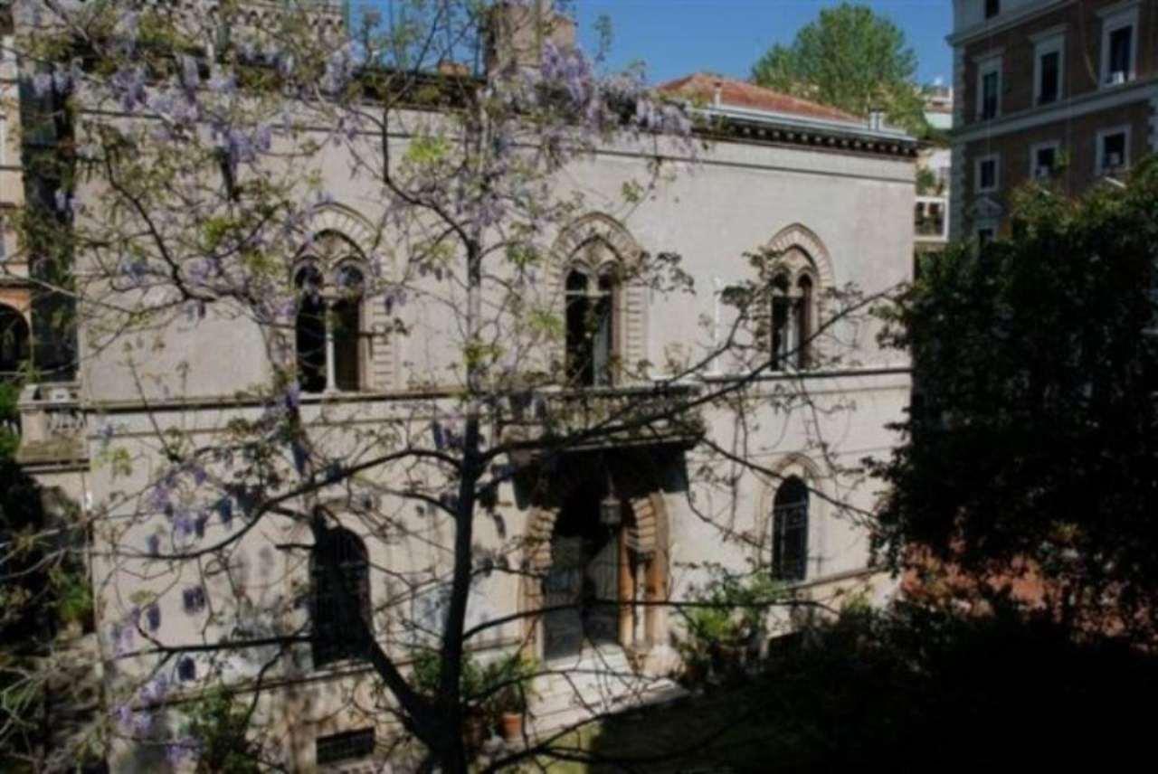 Villa in Vendita a Roma lungotevere dei vallati