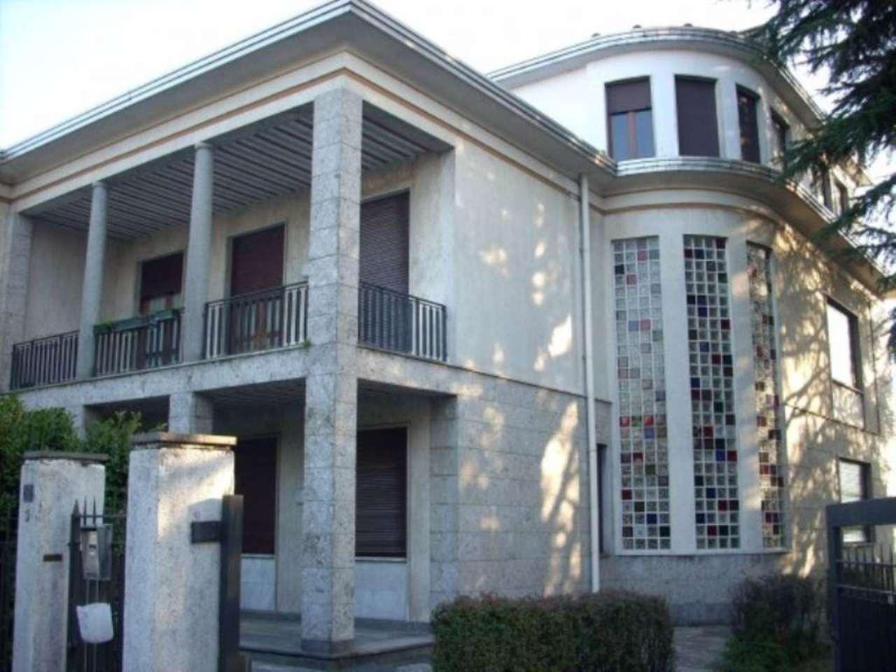 Soluzione Indipendente in vendita a Samarate, 6 locali, prezzo € 950.000 | Cambio Casa.it