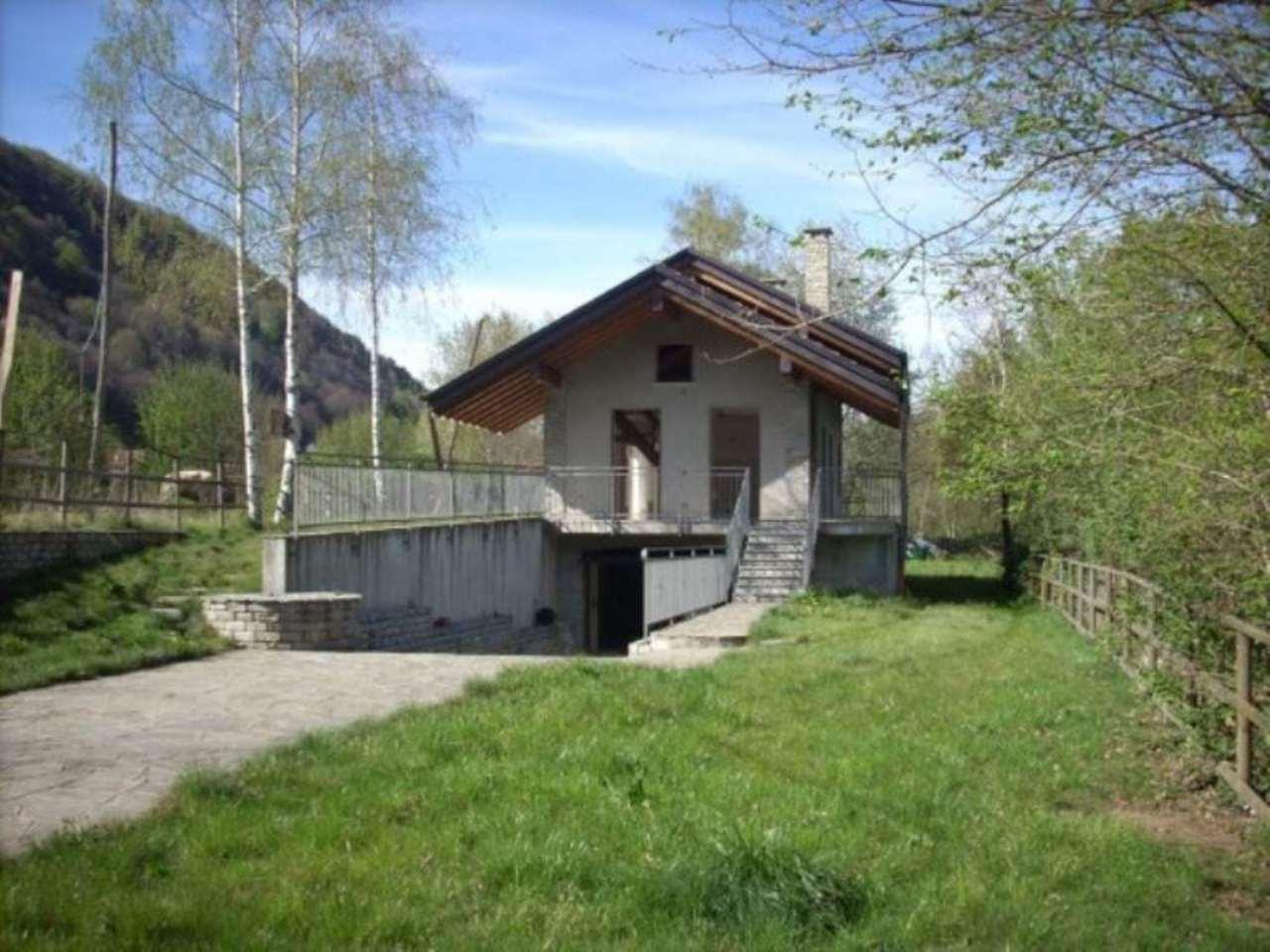 Villa in vendita a Brovello-Carpugnino, 6 locali, prezzo € 600.000 | Cambio Casa.it