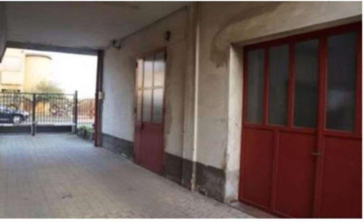 Capannone in vendita a Settimo Milanese, 6 locali, prezzo € 250.000 | Cambio Casa.it