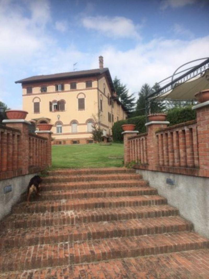 Villa in vendita a Ovada, 6 locali, prezzo € 2.400.000 | CambioCasa.it