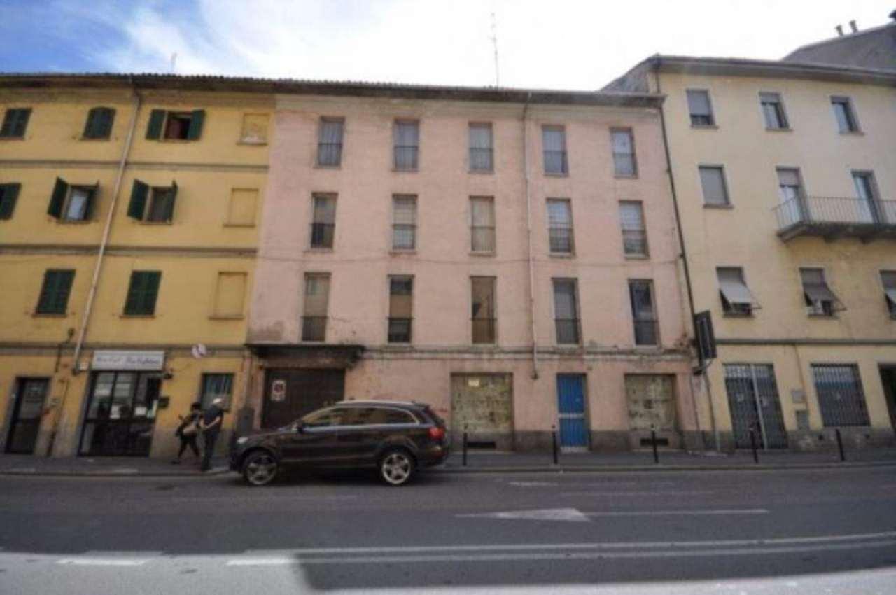 Palazzo / Stabile in vendita a Novara, 6 locali, Trattative riservate | Cambio Casa.it