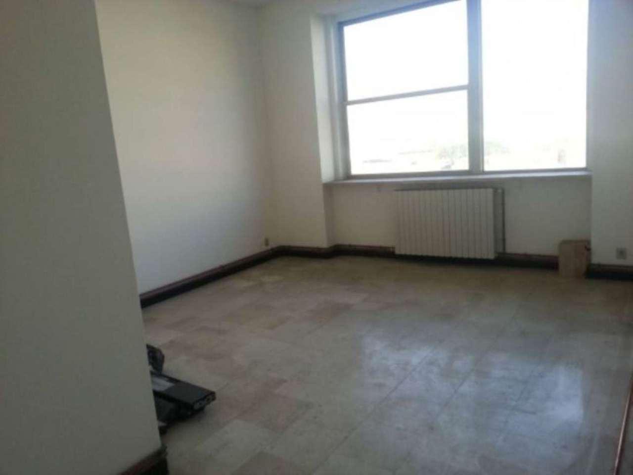 Ufficio / Studio in vendita a Cologno Monzese, 3 locali, prezzo € 180.000   CambioCasa.it