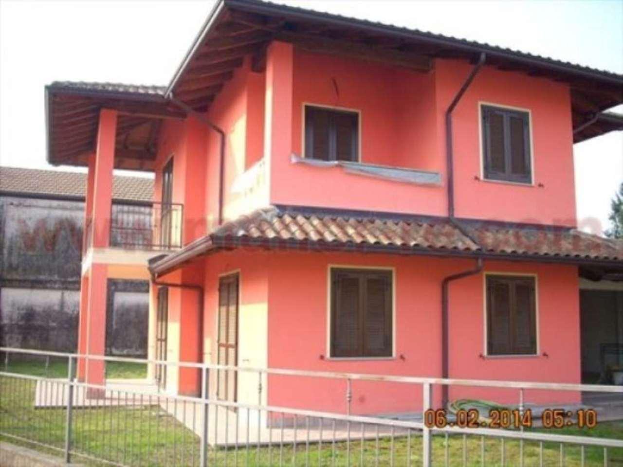 Villa in vendita a Cressa, 5 locali, prezzo € 260.000 | CambioCasa.it