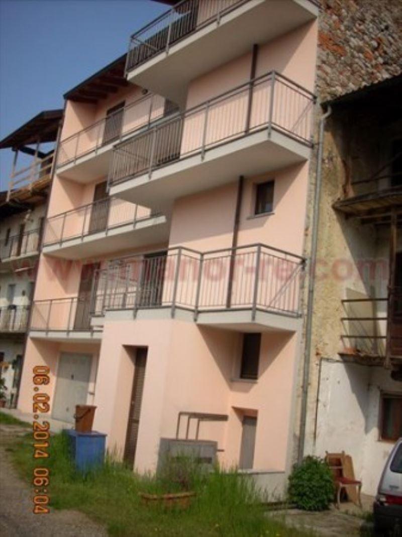 Appartamento in vendita a Fontaneto d'Agogna, 3 locali, prezzo € 115.000 | Cambio Casa.it