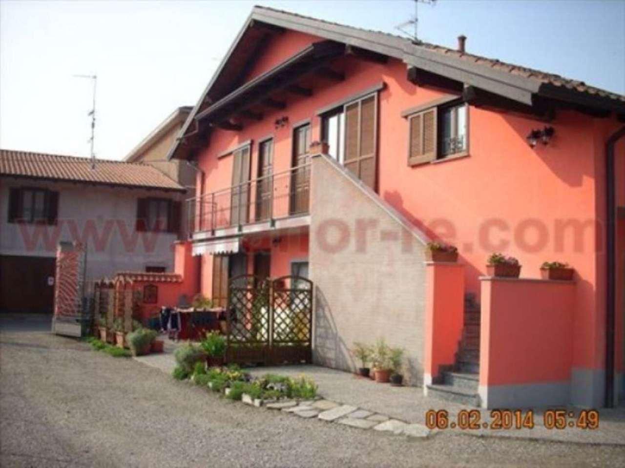 Appartamento in vendita a Fontaneto d'Agogna, 3 locali, prezzo € 105.000 | Cambio Casa.it