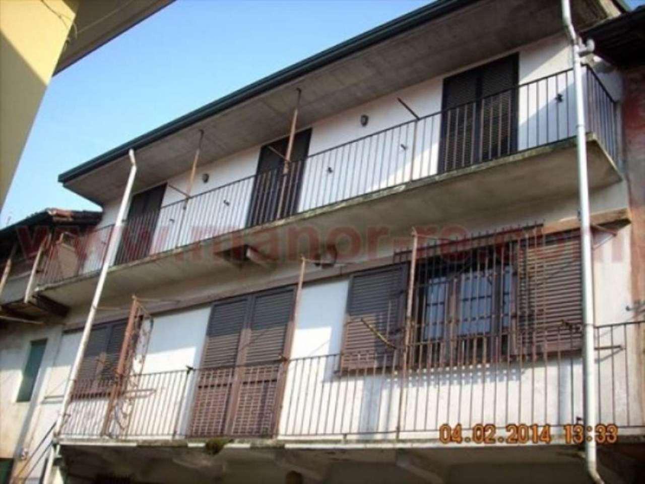 Soluzione Indipendente in vendita a Cerano, 6 locali, prezzo € 107.000 | Cambio Casa.it