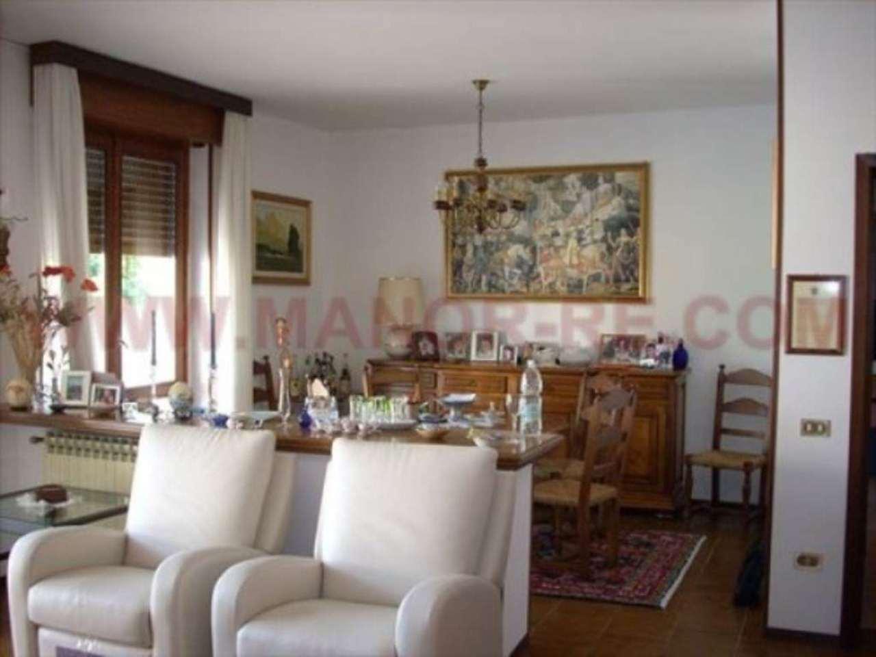 Villa in vendita a Suno, 6 locali, prezzo € 1.000.000 | Cambio Casa.it