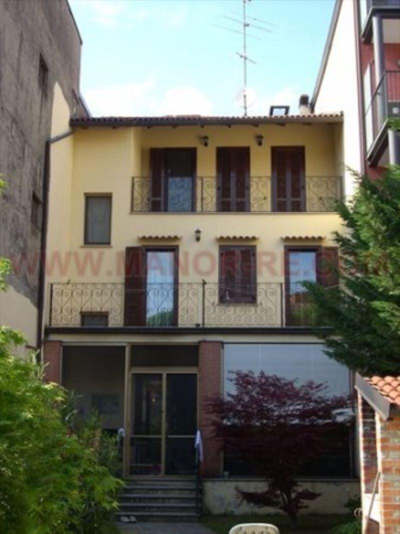 Palazzo / Stabile in vendita a Novara, 6 locali, prezzo € 595.000 | Cambio Casa.it