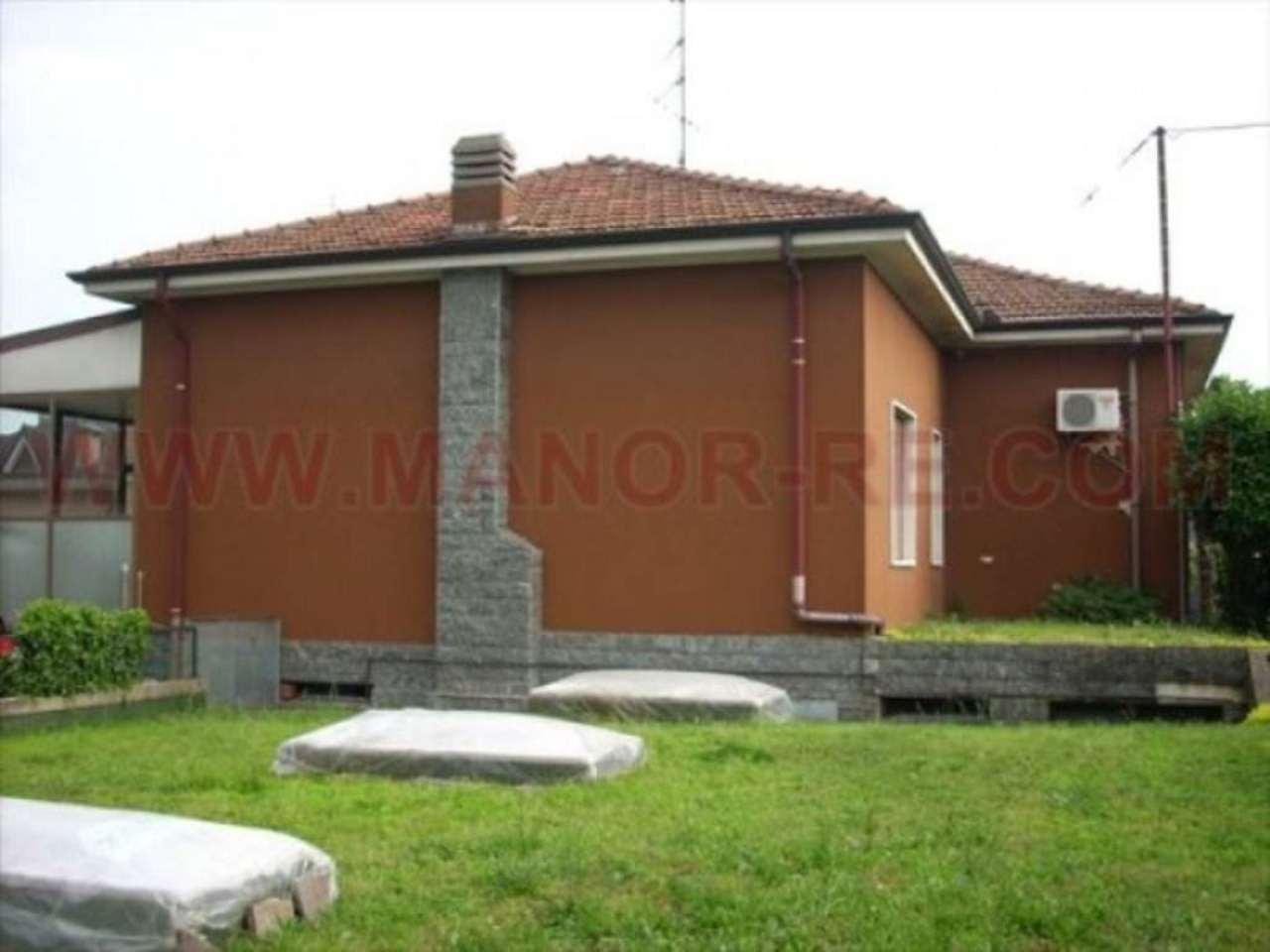 Villa in vendita a Vanzaghello, 6 locali, prezzo € 275.000 | Cambio Casa.it