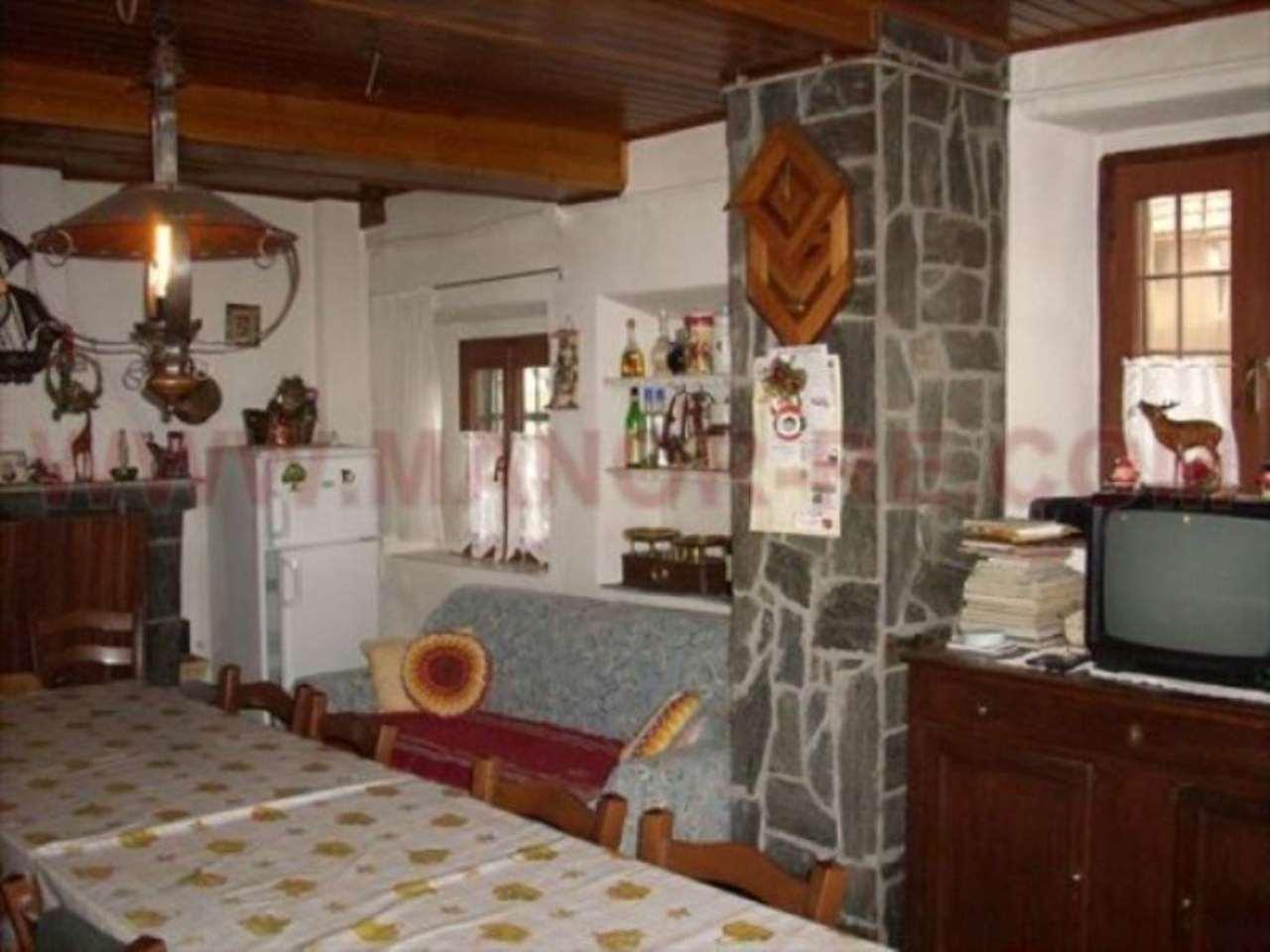 Soluzione Indipendente in vendita a Magnago, 6 locali, prezzo € 145.000 | Cambio Casa.it