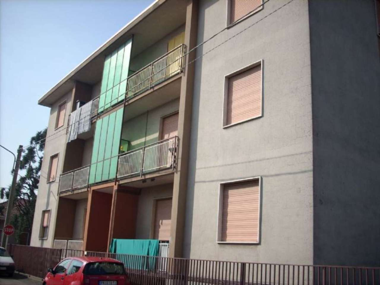 Appartamento in vendita a Buscate, 3 locali, prezzo € 90.000 | Cambio Casa.it