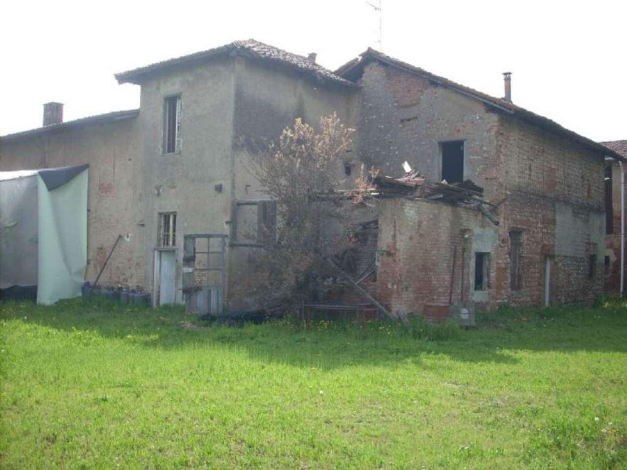 Azienda Agricola in vendita a Busto Arsizio, 12 locali, prezzo € 290.000 | Cambio Casa.it