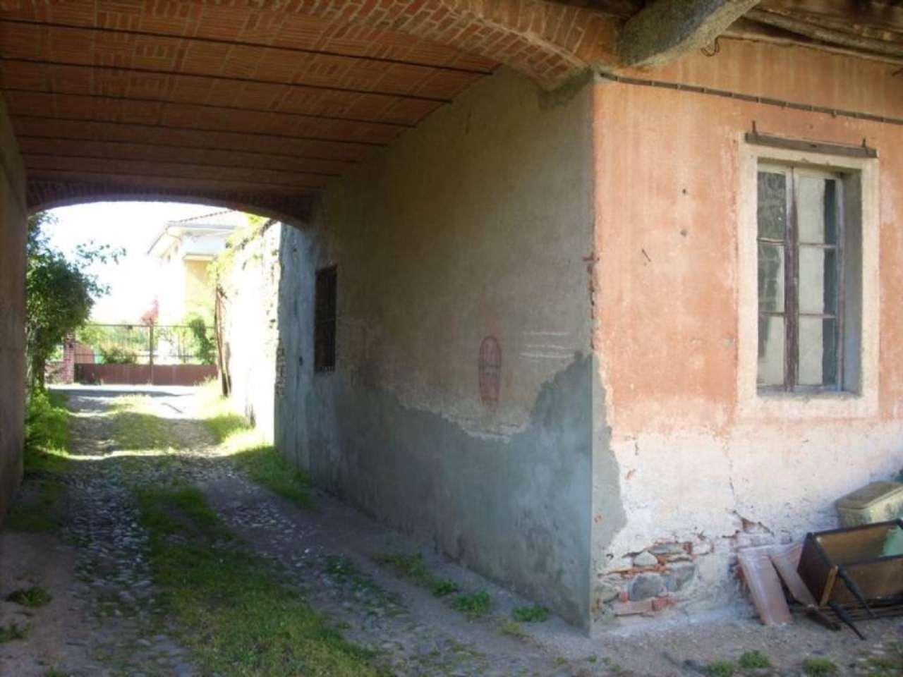 Rustico / Casale in Vendita a Fontaneto d'Agogna