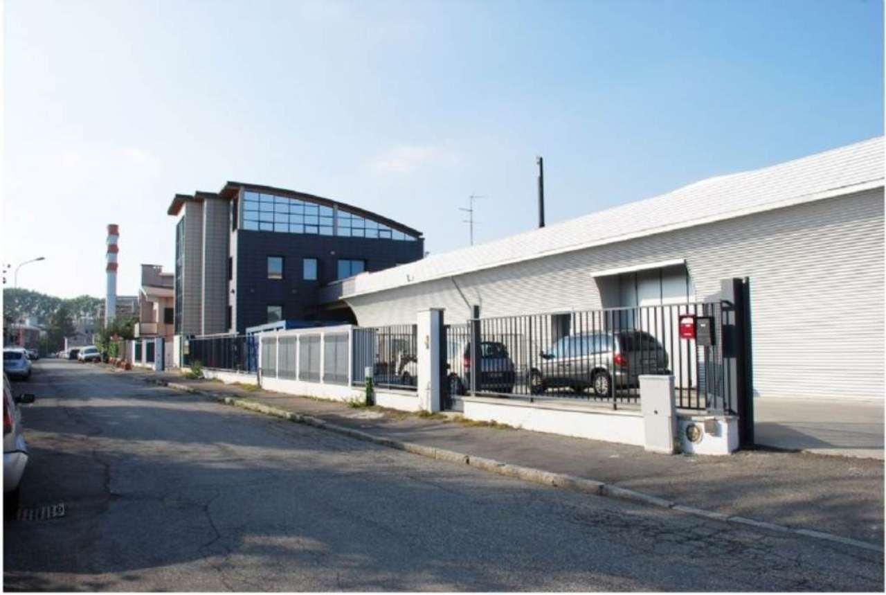 Capannone in vendita a Rozzano, 1 locali, prezzo € 330.000 | Cambio Casa.it