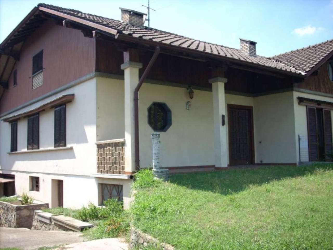 Villa Bifamiliare in Vendita a Robecchetto con Induno