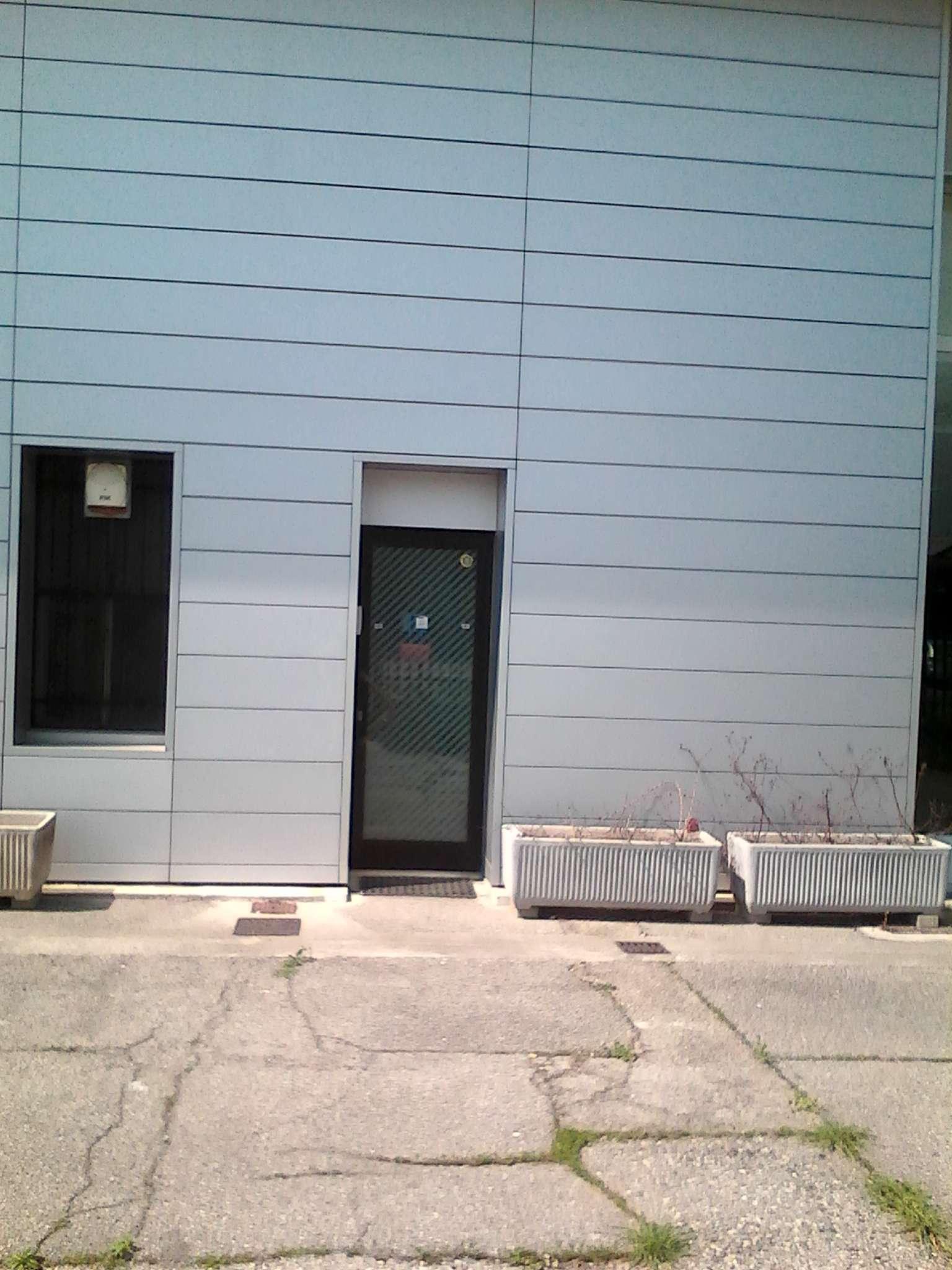Laboratorio in affitto a Cernusco sul Naviglio, 5 locali, prezzo € 1.900 | Cambio Casa.it