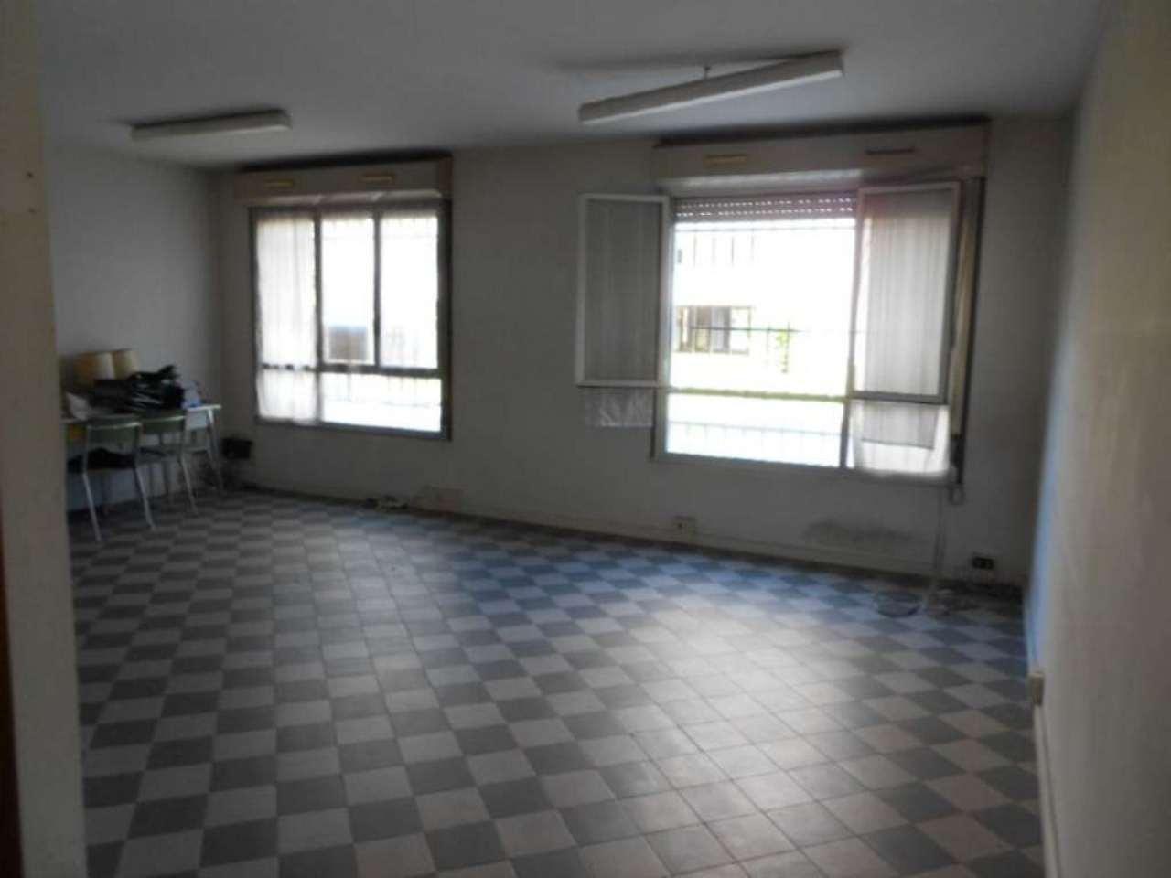 Ufficio / Studio in affitto a Cologno Monzese, 1 locali, prezzo € 300 | Cambio Casa.it
