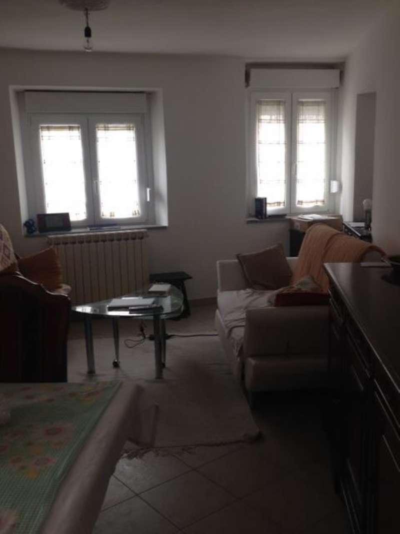 Soluzione Indipendente in vendita a Baveno, 6 locali, prezzo € 200.000 | CambioCasa.it