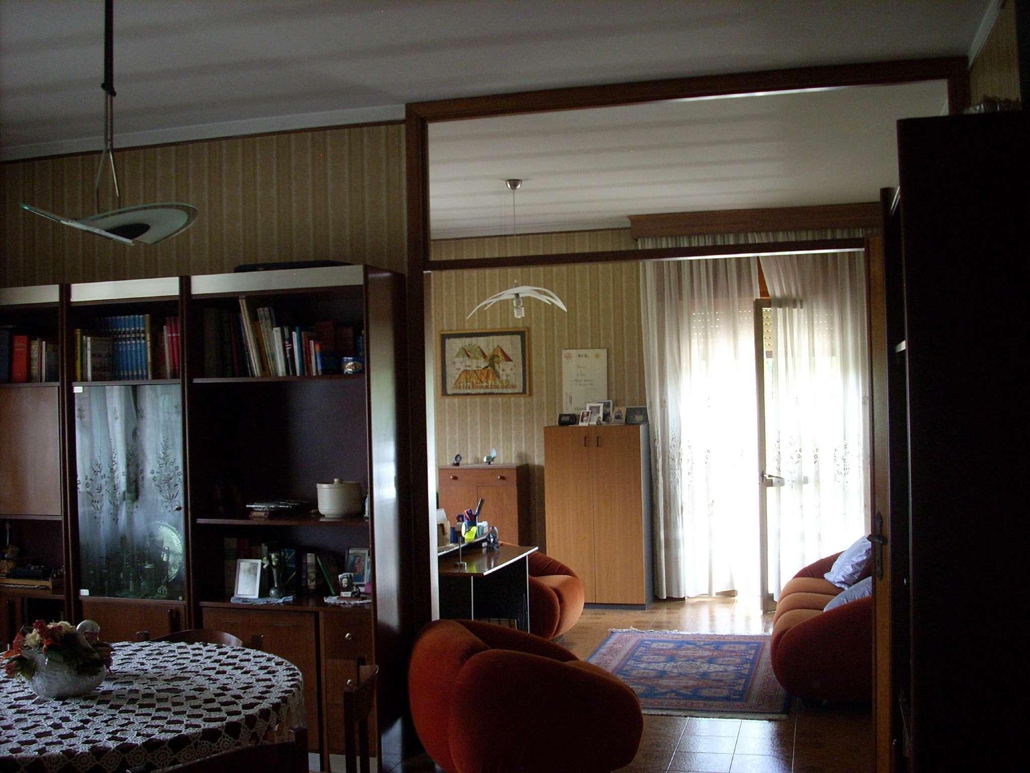 Soluzione Indipendente in vendita a Cressa, 8 locali, prezzo € 195.000 | Cambio Casa.it
