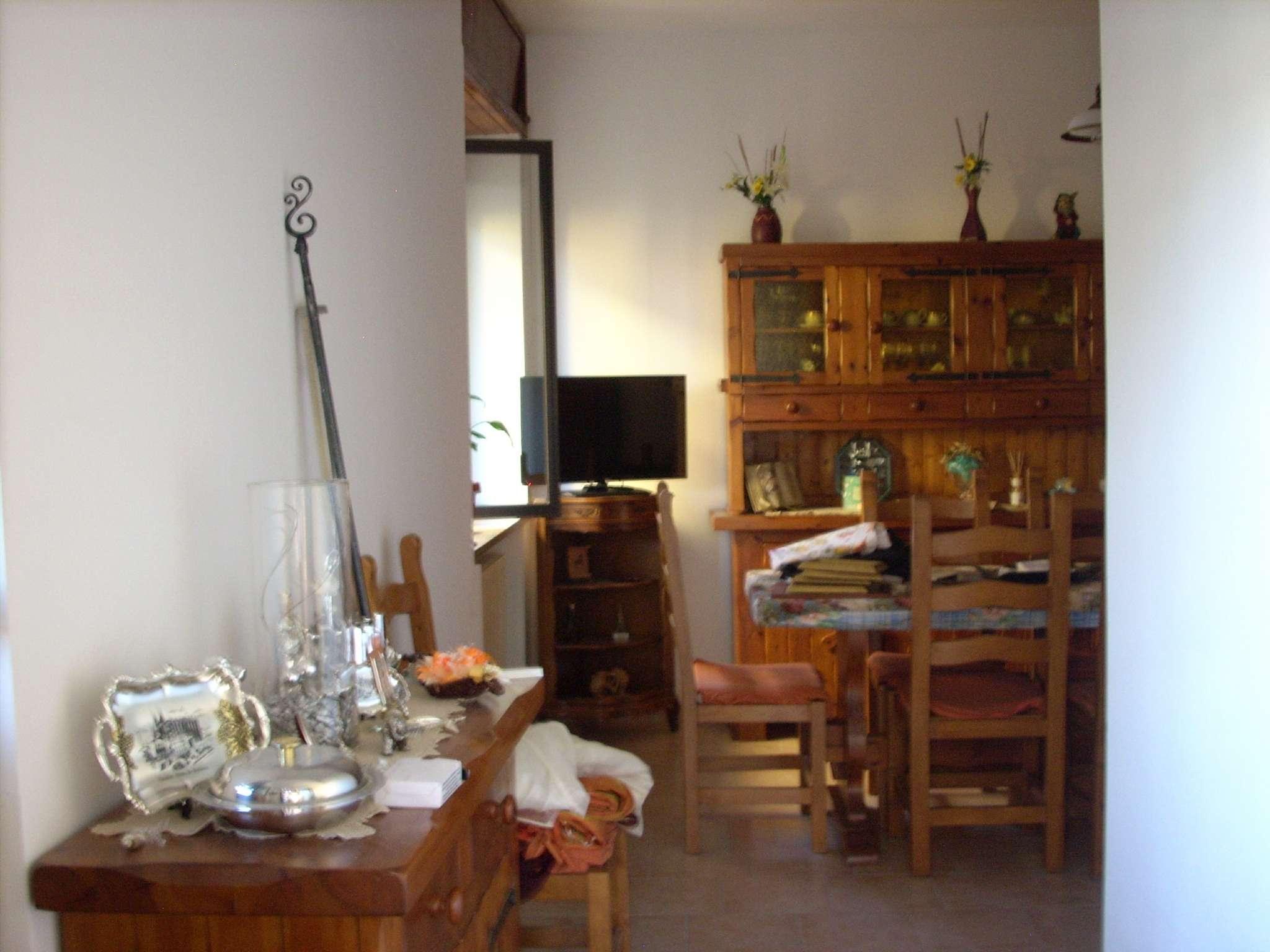 Palazzo / Stabile in vendita a Bellinzago Novarese, 2 locali, prezzo € 95.000 | CambioCasa.it