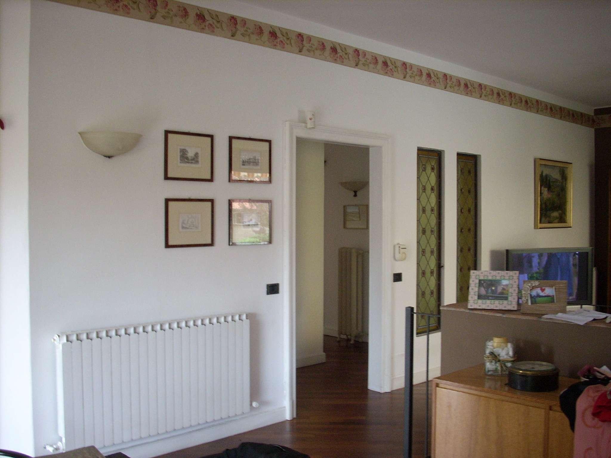 Villa in vendita a Castano Primo, 6 locali, prezzo € 395.000 | CambioCasa.it