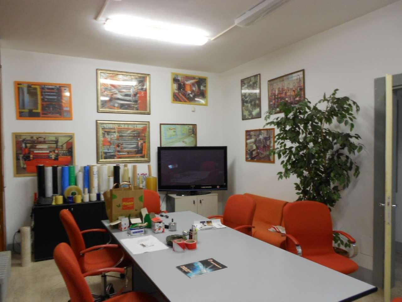 Laboratorio in vendita a Cernusco sul Naviglio, 10 locali, prezzo € 650.000 | CambioCasa.it