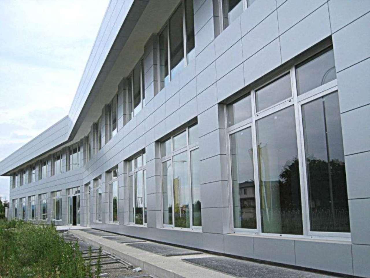 Ufficio / Studio in affitto a Brandizzo, 2 locali, prezzo € 5.600 | Cambio Casa.it