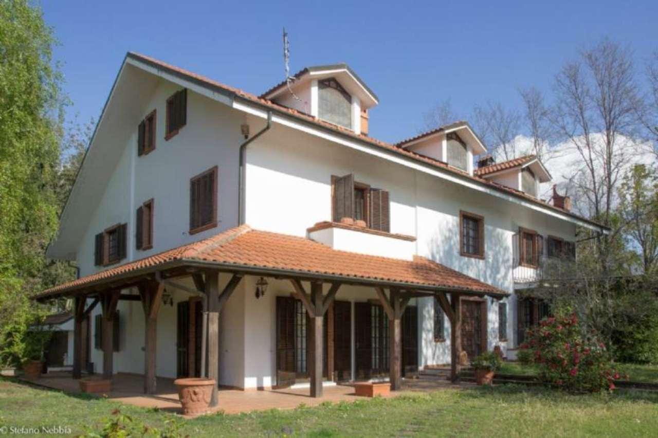 Villa in vendita a Roletto, 10 locali, prezzo € 550.000 | Cambio Casa.it