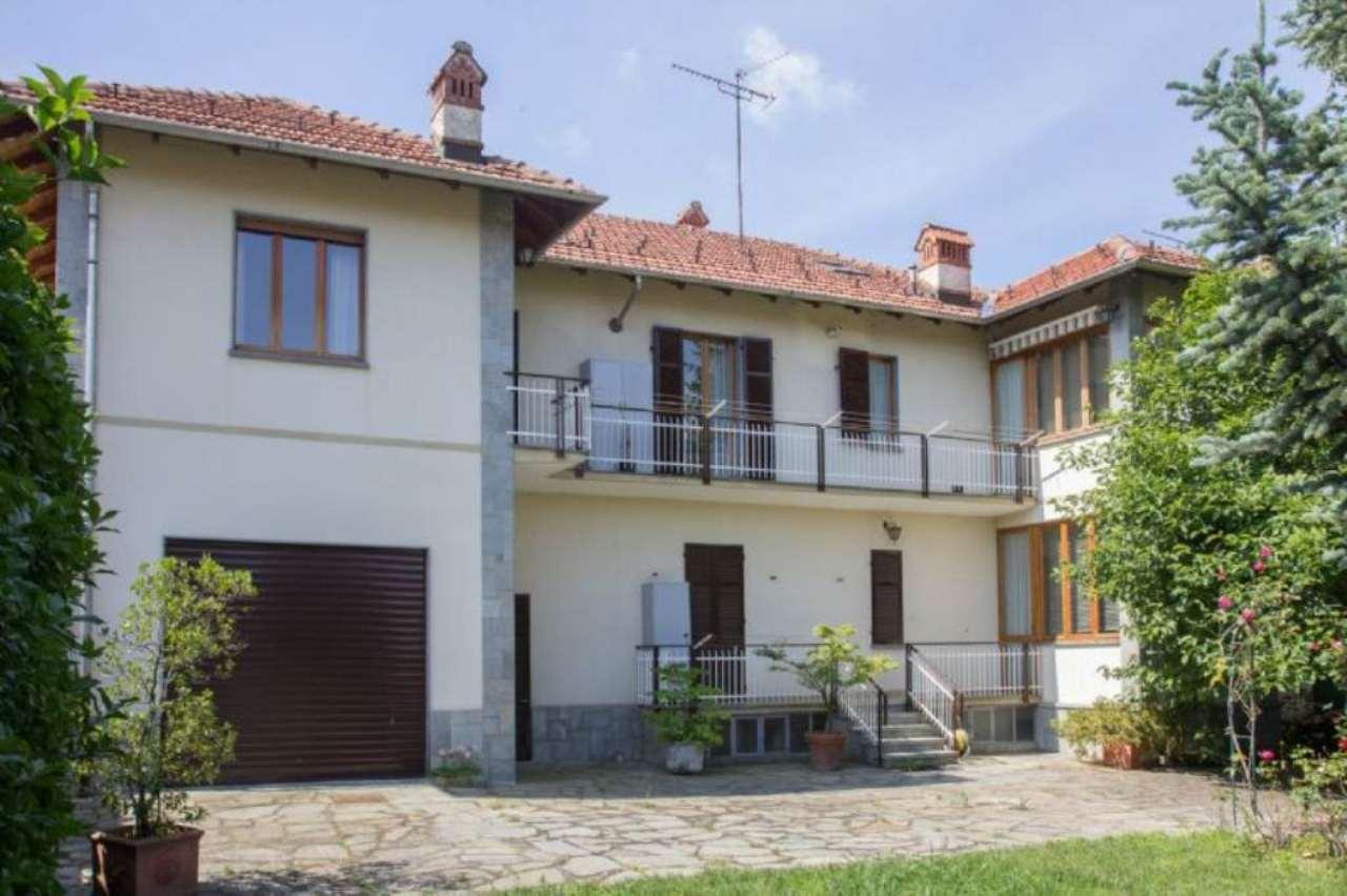 Villa in vendita a Rivoli, 12 locali, prezzo € 690.000   Cambio Casa.it