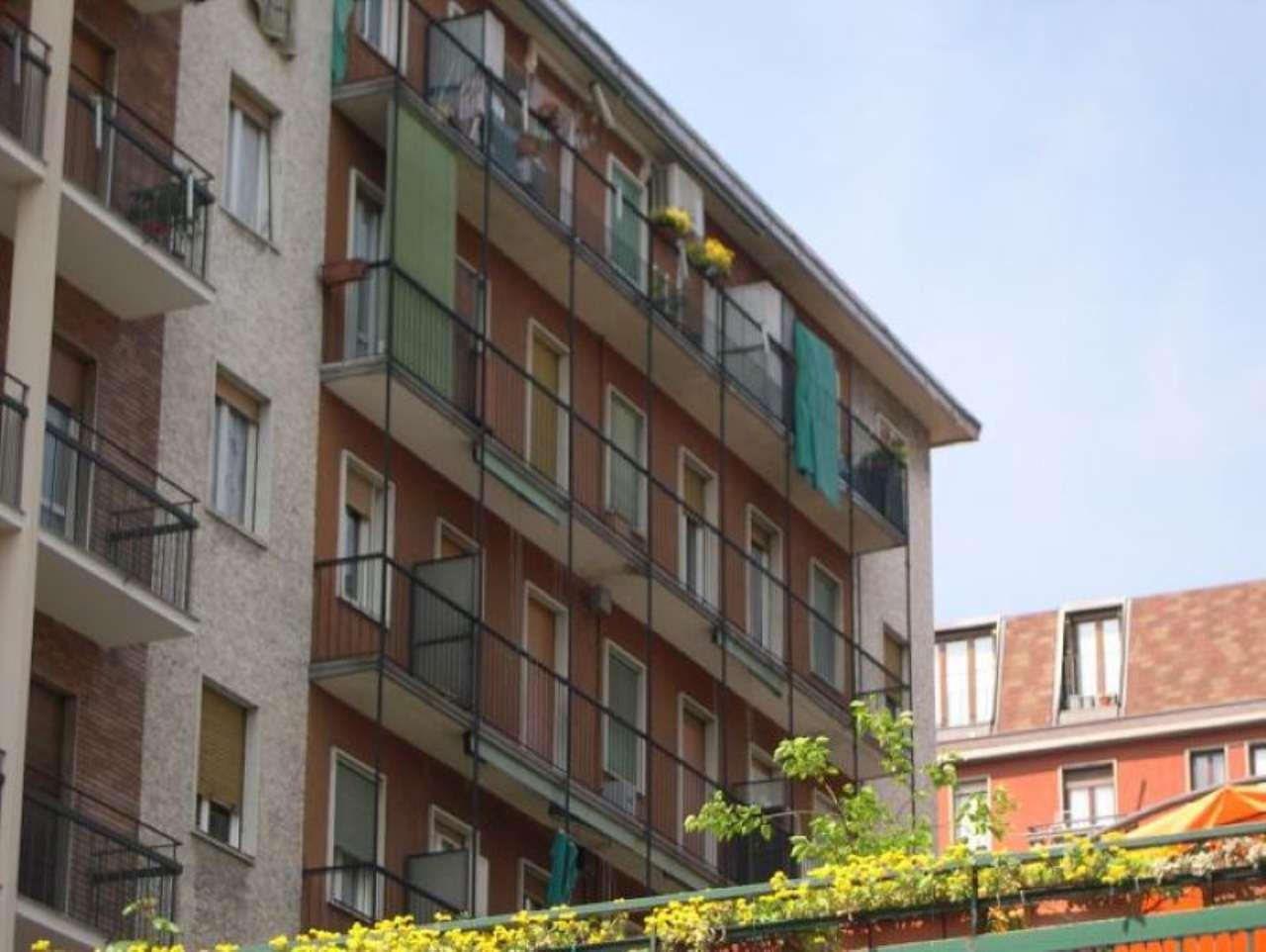 Bilocale Milano Via Console Marcello 10