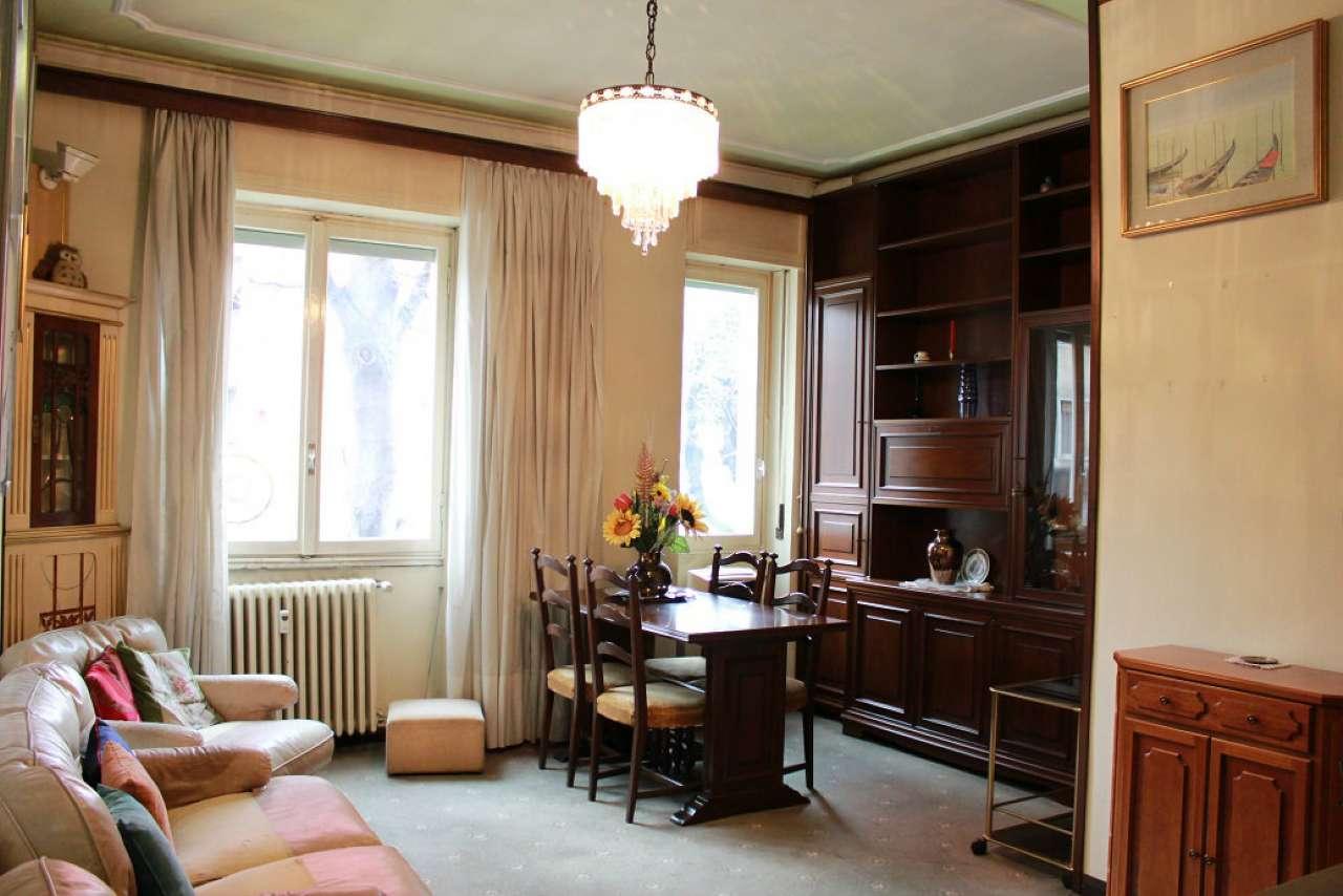 Appartamento in vendita 3 vani 80 mq.  viale Caterina da Forlì Milano