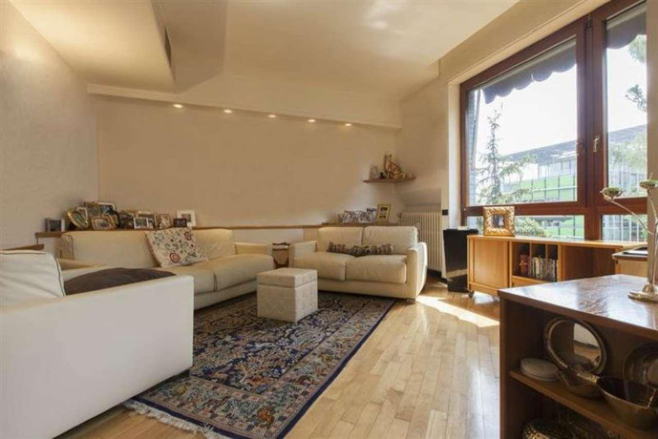 Appartamento in vendita a Milano, 4 locali, zona Zona: 15 . Fiera, Firenze, Sempione, Pagano, Amendola, Paolo Sarpi, Arena, prezzo € 790.000 | CambioCasa.it
