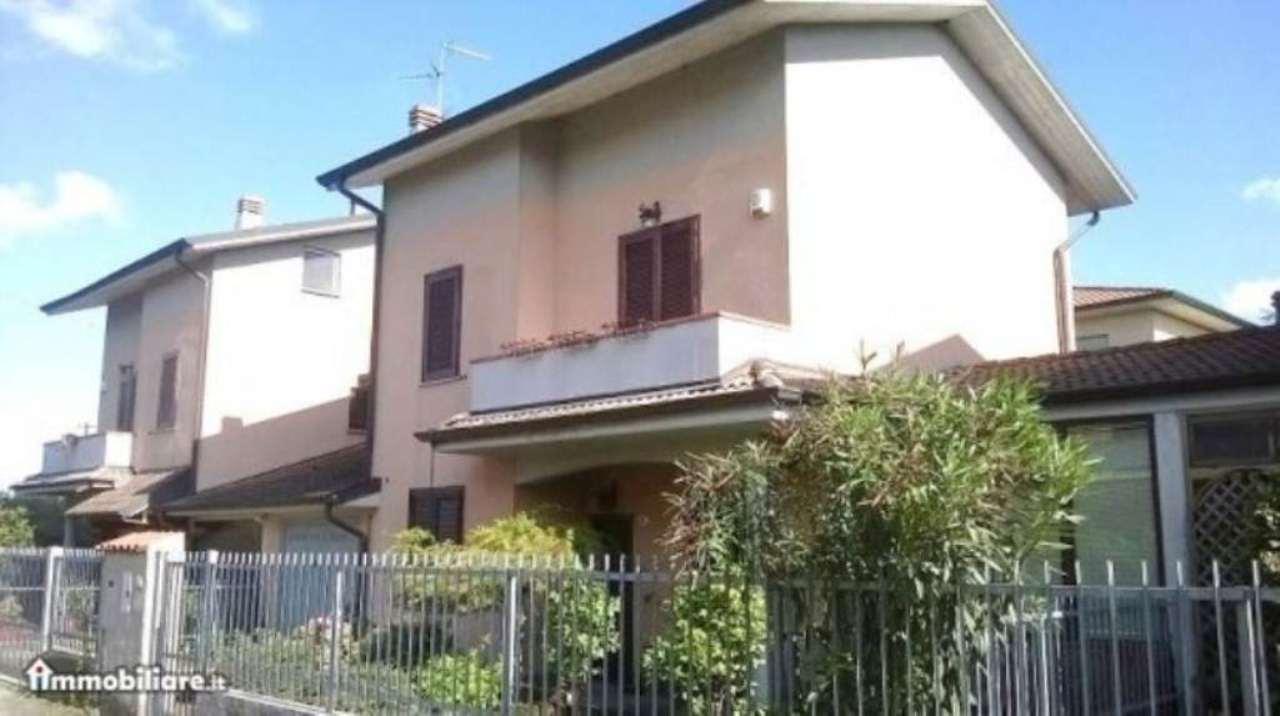 Villa a Schiera in Vendita a Trivolzio