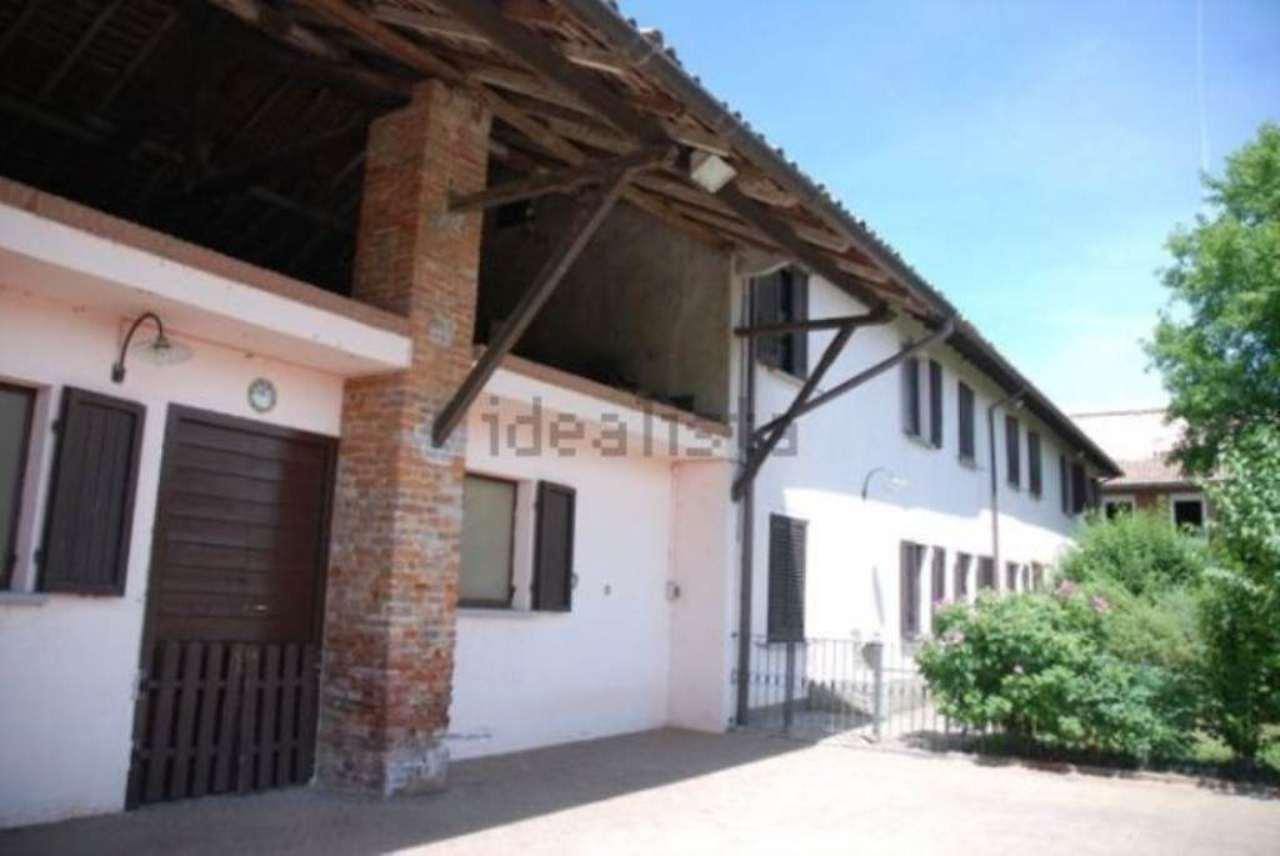 Rustico / Casale in vendita a Bereguardo, 12 locali, prezzo € 670.000 | Cambio Casa.it