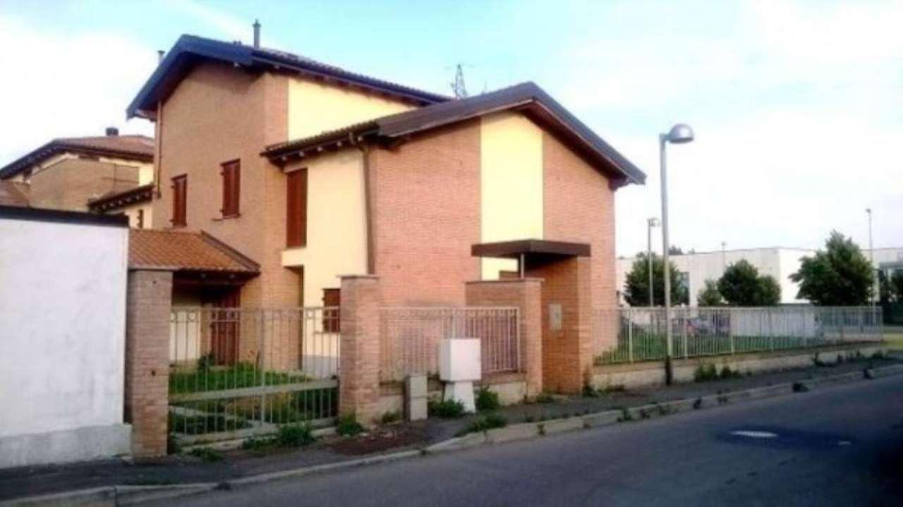 Villa in vendita a Trivolzio, 5 locali, prezzo € 250.000 | Cambio Casa.it