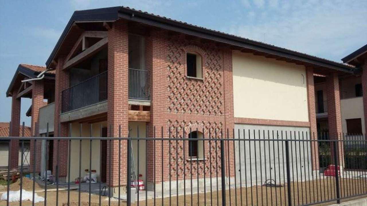 Villa Bifamiliare in Vendita a Torre d'Isola