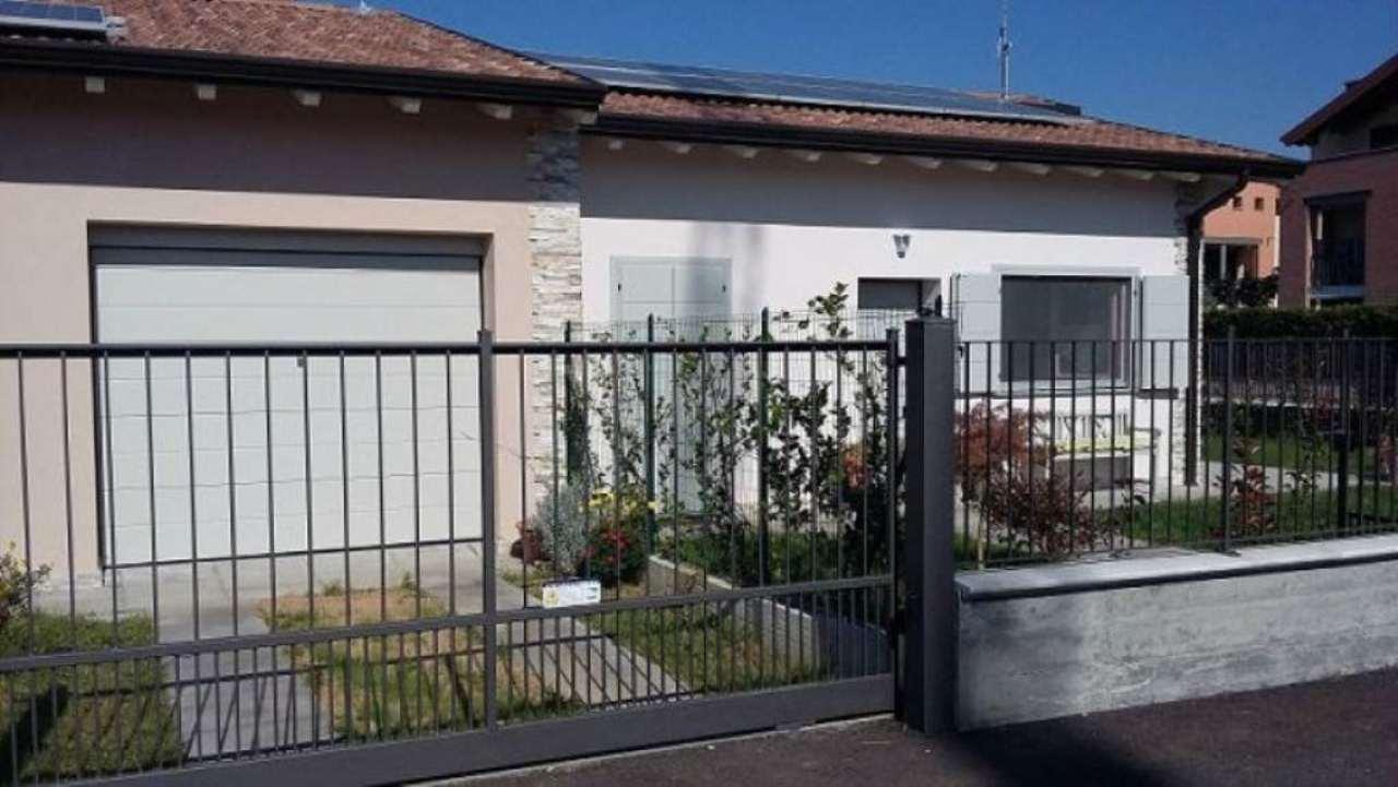Villa in vendita a Trivolzio, 3 locali, prezzo € 203.000 | CambioCasa.it