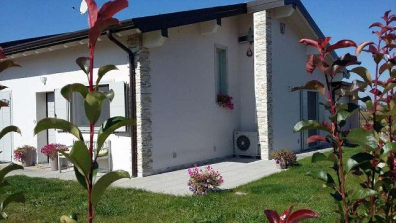 Villa Tri-Quadrifamiliare in vendita a Trivolzio, 3 locali, prezzo € 220.000 | Cambio Casa.it