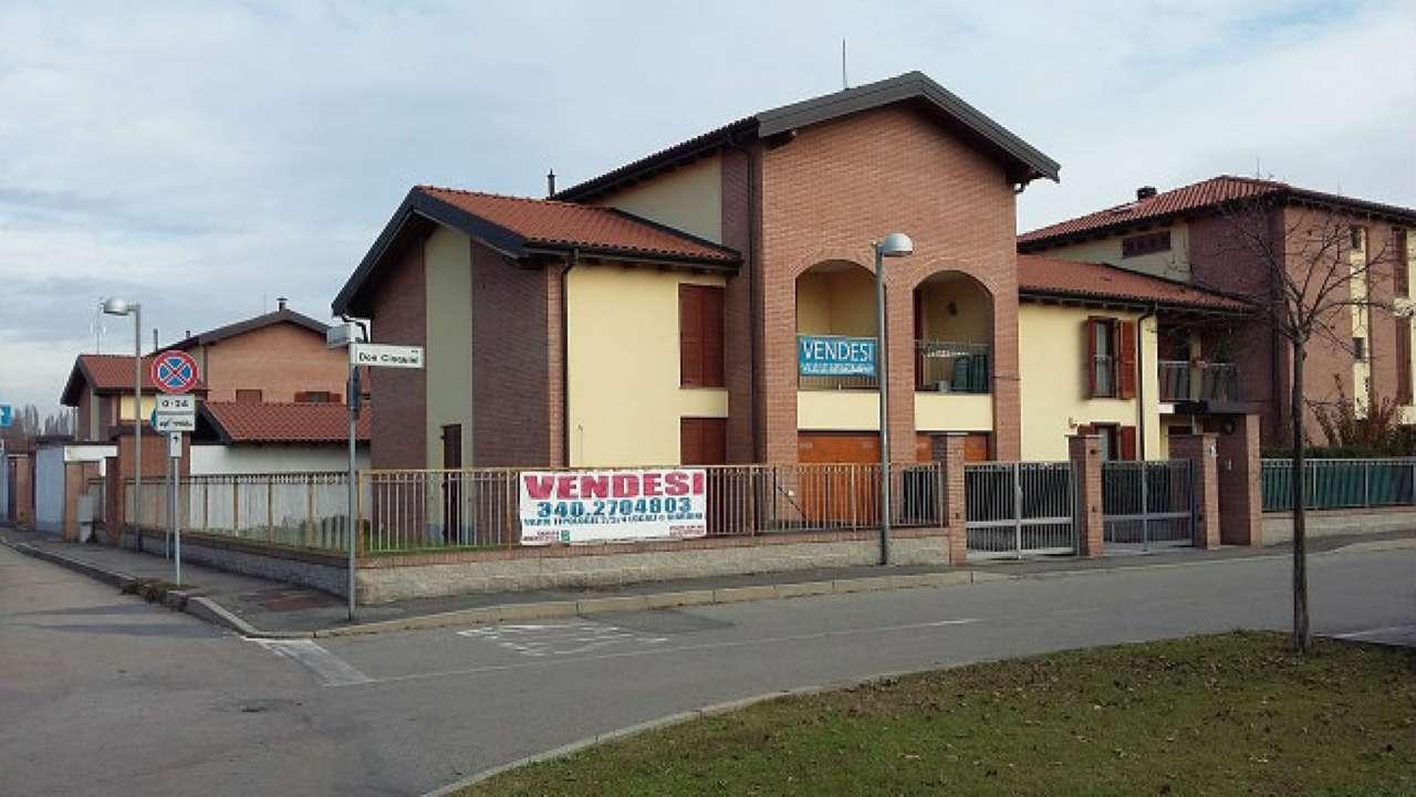 Villa Bifamiliare in vendita a Bereguardo, 5 locali, prezzo € 250.000 | Cambio Casa.it