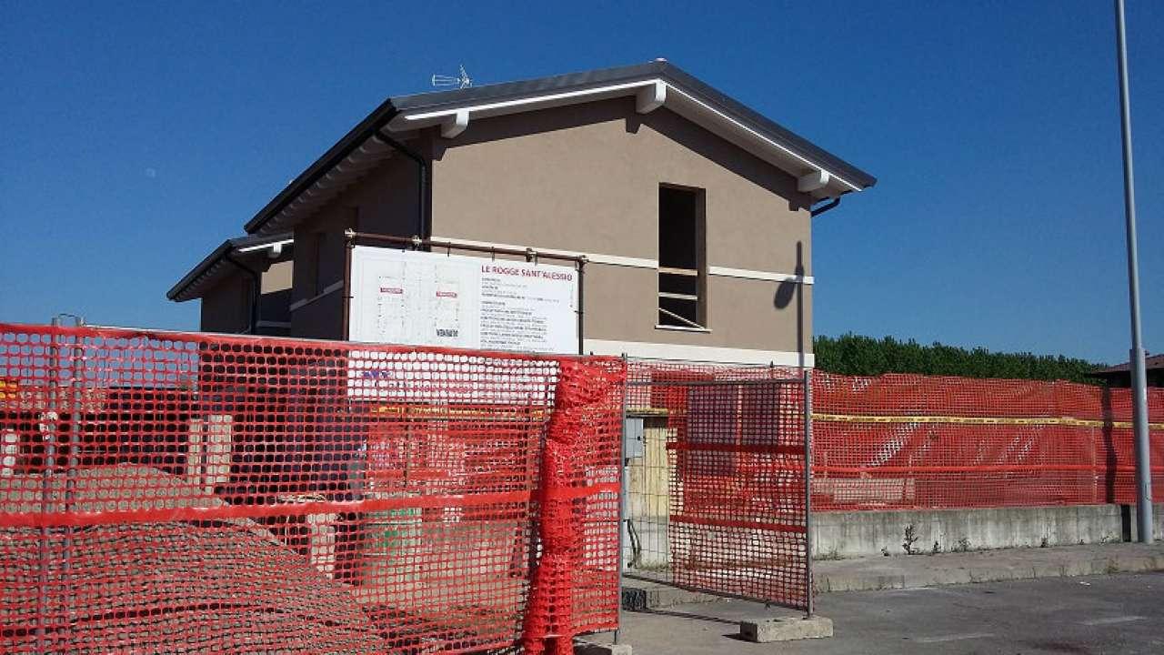 Villa Bifamiliare in Vendita a Sant'Alessio con Vialone