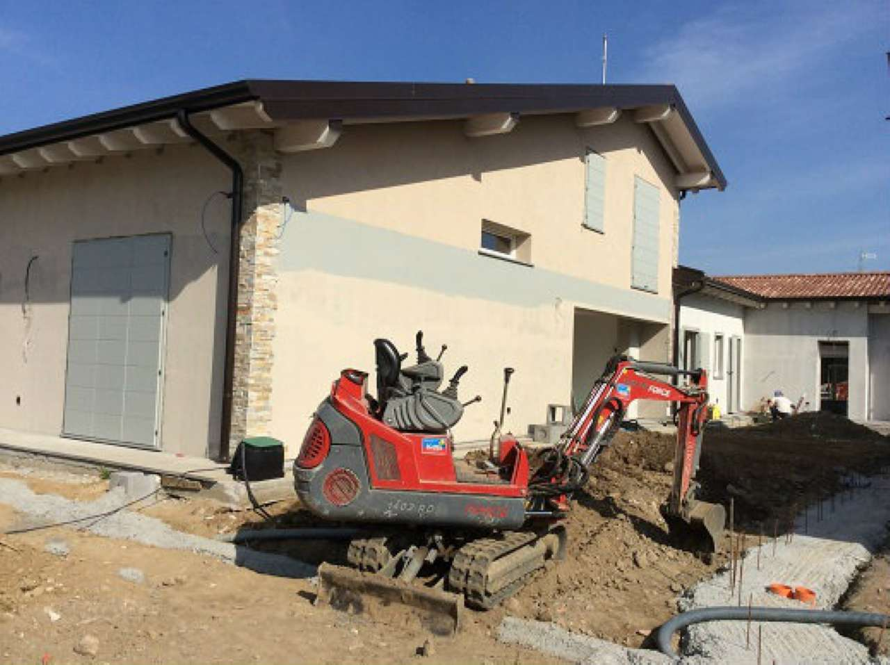 Villa Tri-Quadrifamiliare in Vendita a Trivolzio