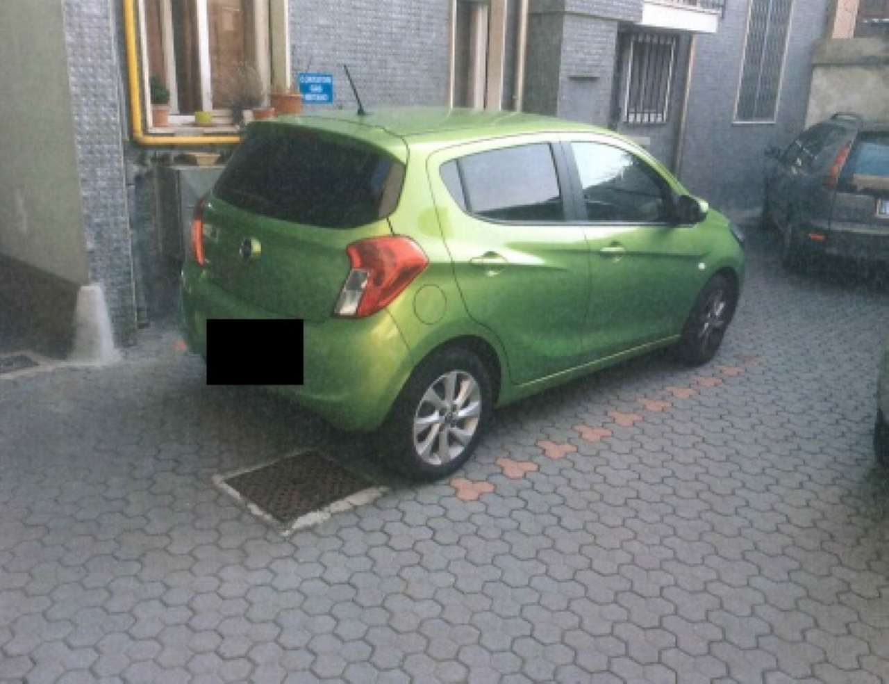 Milano Vendita POSTO AUTO SCOPERTO