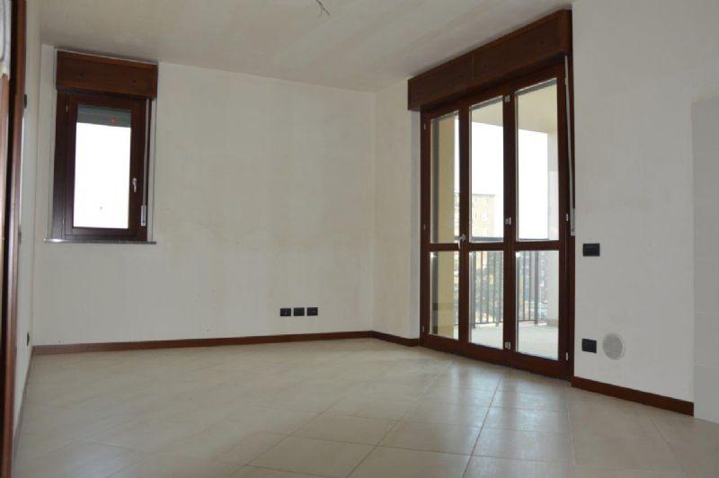 Appartamento in affitto a Rozzano, 2 locali, prezzo € 700 | Cambio Casa.it