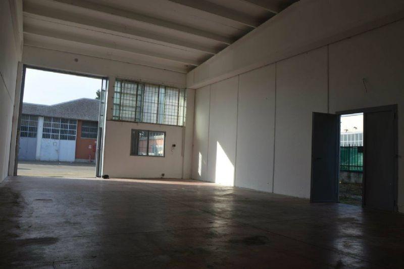 Capannone in affitto a Pieve Emanuele, 1 locali, prezzo € 750 | Cambio Casa.it