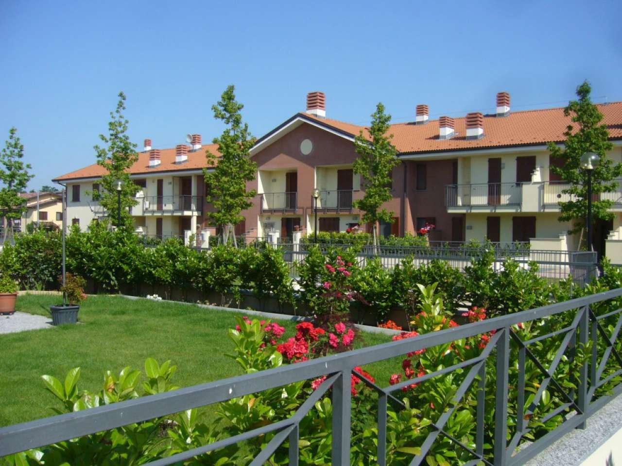 Appartamento in vendita a Landriano, 3 locali, prezzo € 144.000 | Cambio Casa.it