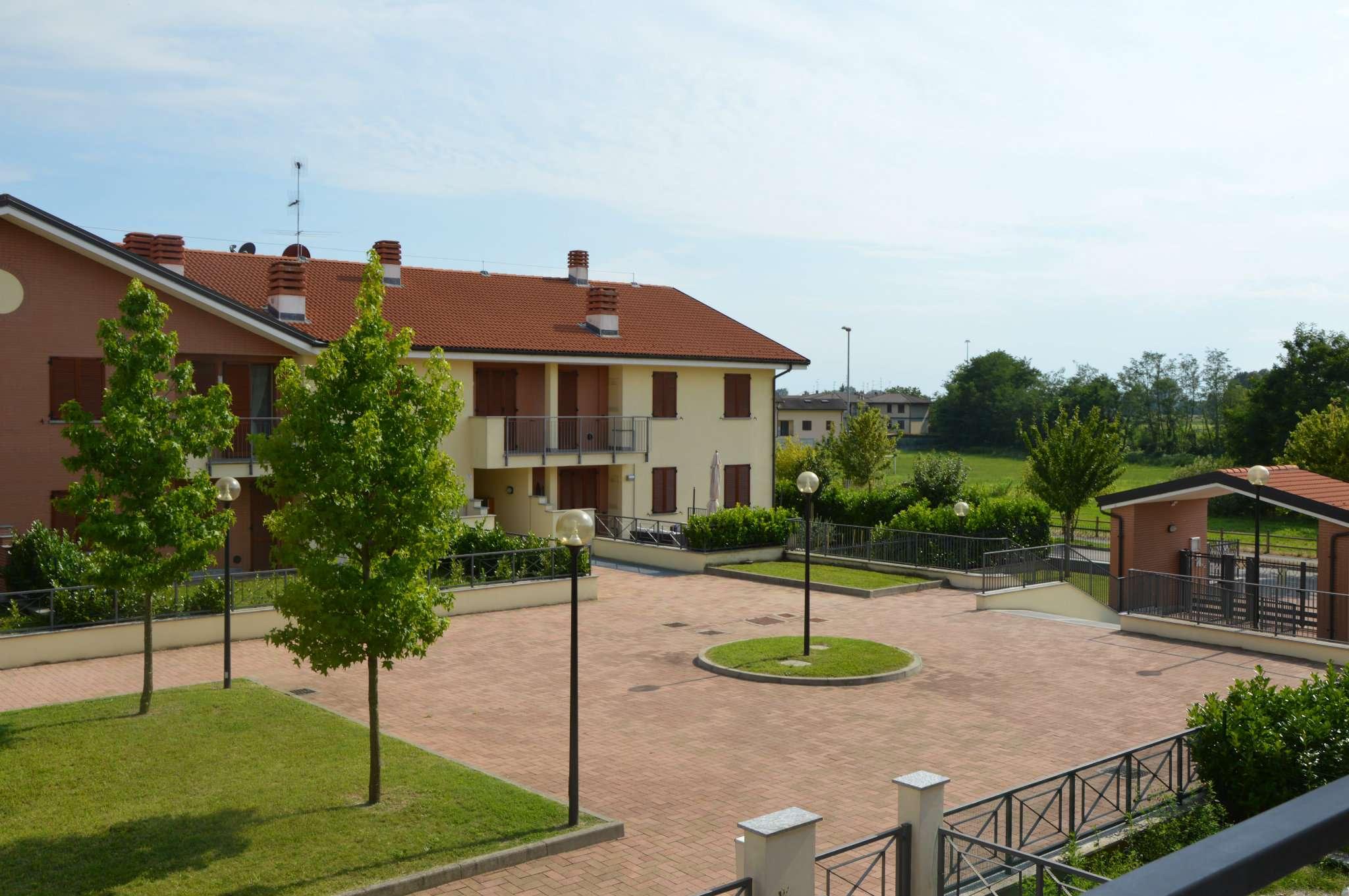 Appartamento in vendita a Landriano, 3 locali, prezzo € 163.000 | Cambio Casa.it